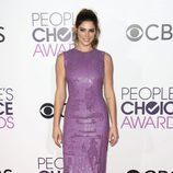 Ashley Greene con un vestido malva en los People's Choice Awards 2017