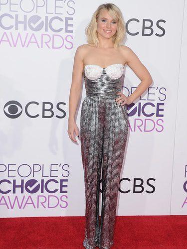 Kristen Bell con un jumpsuit metalizado en los People's Choice Awards 2017