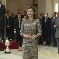 La Reina Letizia con un vestido en tweed en los Premios Nacionales del Deporte
