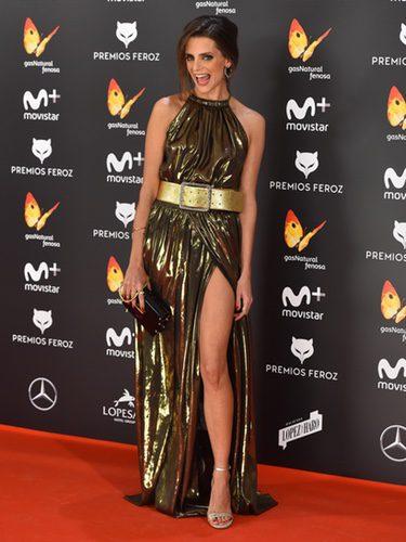 Macarena Gómez con un vestido dorado en los Premios Feroz 2017