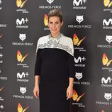 Cecilia Freire con un vestido bicolor en los Premios Feroz 2017