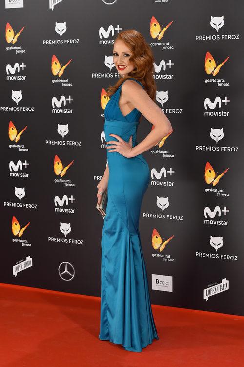 Cristina Castaño con un vestido azul en los Premios Feroz 2017