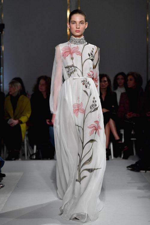 Vestido oriental de Giambattista Valli primavera/verano 2017 en la Semana de la Alta Costura de París