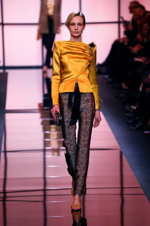 Camisa de seda de Giorgio Armani Privé primavera/verano 2017 en la Semana de la Alta Costura de París