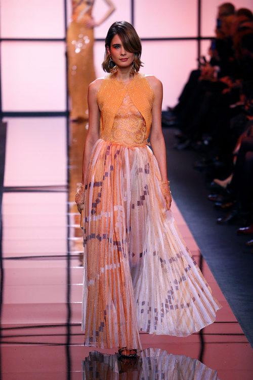 Falda plisada de Giorgio Armani Privé primavera/verano 2017 en la Semana de la Alta Costura de París
