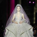 Vestido de novia de Zuhair Murad primavera/verano 2017 en la Semana de la Alta Costura de París