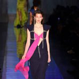 Top rosa fucsia de Jean Paul Gaultier primavera/verano 2017 en la Semana de la Alta Costura de París