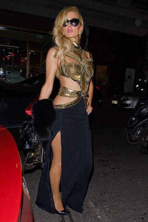 Paris Hilton con un look oriental en Londres