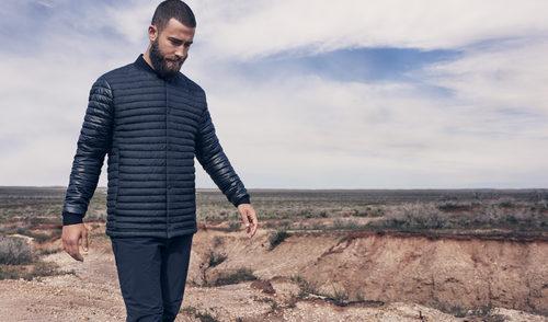 Abrigo azul marino de la colección 'Sport' de H&M primavera/verano 2017