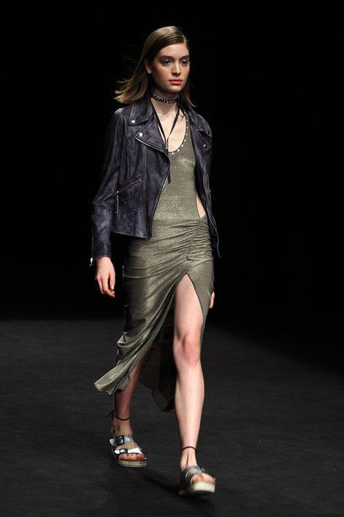 Chaqueta de cuero de TCN primavera/verano 2017 en la 080 Barcelona Fashion
