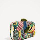 Clutch con abalorios de Zara primavera/verano 2017