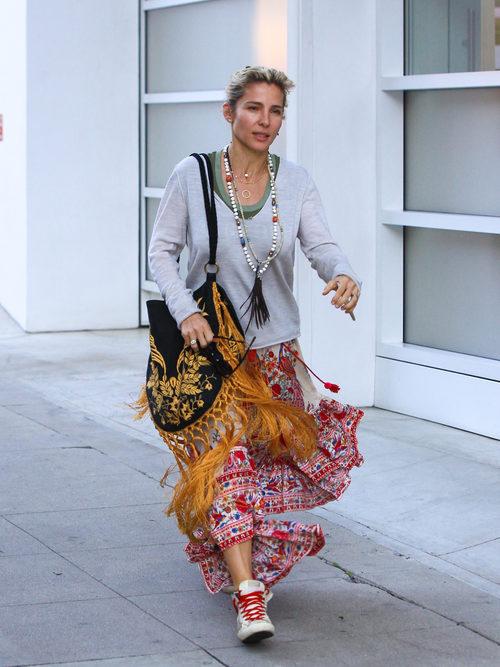 Elsa Pataky con un outfit bohemio en las calles de Los Ángeles