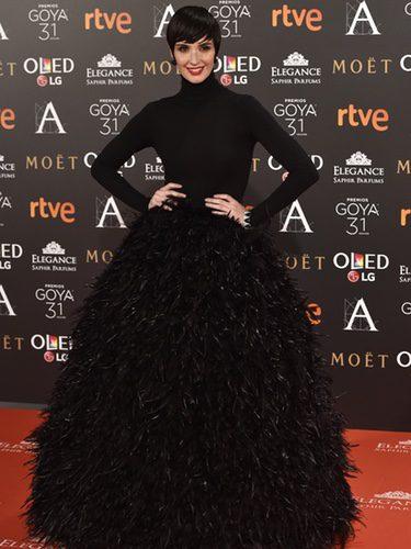 Paz Vega con un vestido de Jorge Acuña en los Premios Goya 2017