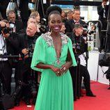 Lupita Nyong'o con un vestido verde en el Festival de Cannes 2015