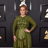 Adele vestida de Givenchy en los Grammy 2017