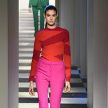 Look colorido de Oscar de la Renta otoño/invierno 2017/2018 en la New York Fashion Week
