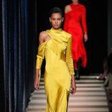 Vestido amarillo de Monse otoño/invierno 2017/2018 en la New York Fashion Week