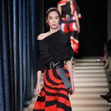 Falda bicolor de Monse otoño/invierno 2017/2018 en la New York Fashion Week