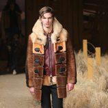 Abrigo de piel y chaqueta de cuero de Coach otoño/invierno 2017/2018 en la New York Fashion Week