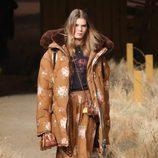 Abrigo acolchado de Coach otoño/invierno 2017/2018 en la New York Fashion Week