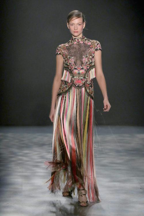 Vestido multicolor de Marchesa otoño/invierno 2017/2018 en la New York Fashion Week