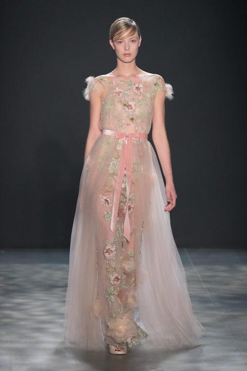 Vestido floral de Marchesa otoño/invierno 2017/2018 en la New York Fashion Week