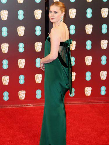 Amy Adams vestida de Tom Ford en los Premios Bafta 2017
