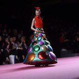 Vestido con volumen de Ágatha Ruiz de la Prada otoño/invierno 2017/2018 en la Madrid Fashion Week