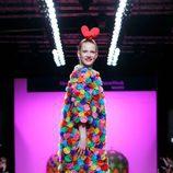 Vestido multicolor de Ágatha Ruiz de la Prada otoño/invierno 2017/2018 en la Madrid Fashion Week