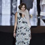 Cristina Paiget en el desfile otoño/invierno 2017/2018 de Duyos en la Madrid Fashion Week