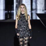 Vanesa Lorenzo con un vestido brilly de Duyos otoño/invierno 2017/2018 en la Madrid Fashion Week