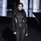 Nieves Álvarez en el desfile otoño/invierno 2017/2018 de Duyos en la Madrid Fashion Week