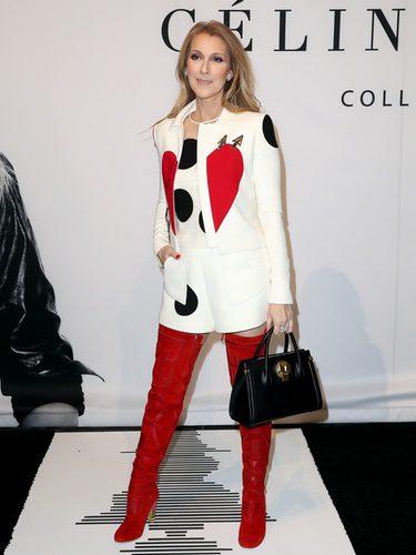 Céline Dion con un look romántico en la presentación de su nueva línea de bolsos 'Céline Dion Collection'