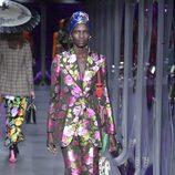 Traje de chaqueta de flores de Gucci otoño/invierno 2017/2018 en la Milán Fashion Week