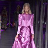 Vestido rosa de Gucci otoño/invierno 2017/2018 en la Milán Fashion Week