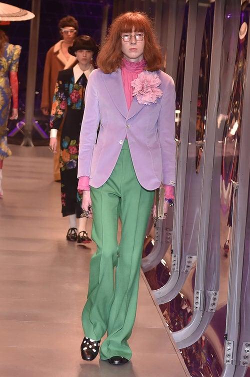 Traje de chaqueta vintage de Gucci otoño/invierno 2017/2018 en la Milán Fashion Week