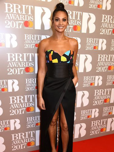 Alexa Dishon con un top de Moschino en los BRIT Awards 2017