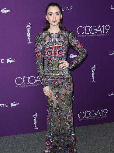 Lily Collins vestida de Alexander McQueen en la gala Costume Designers 2017