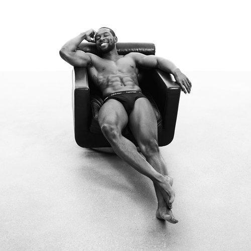 Trevante Rhodes para Calvin Klein campaña primavera/verano 2017