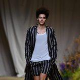 Look de seda de H&M Studio primavera/verano 2017 en la Paris Fashion Week