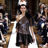 Vestido mini negro de Lanvin otoño/invierno 2017/2018 en la Paris Fashion Week