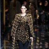 Abrigo largo de Balmain otoño/invierno 2017/2018 en la Paris Fashion Week