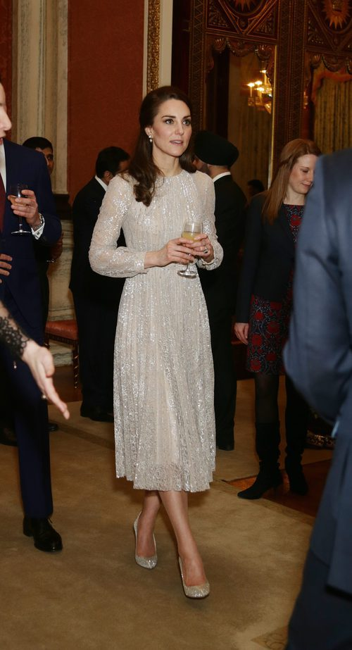 Kate Middleton con un vestido brilly en una recepción en el Palacio de Buckingham