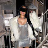 Nicki Minaj con un vestido plateado en el desfile de Rick Owens en la Paris Fashion Week