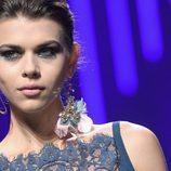 Pendiente de diseño floral de Elie Saab de la colección otoño/invierno 2017/2018 en París Fashion Week