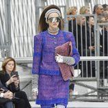 Total look glitter de Chanel otoño/invierno 2017/2018 en la Paris Fashion Week