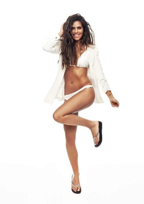 Cristina Pedroche con un bikini blanco de Ipanema para verano 2017