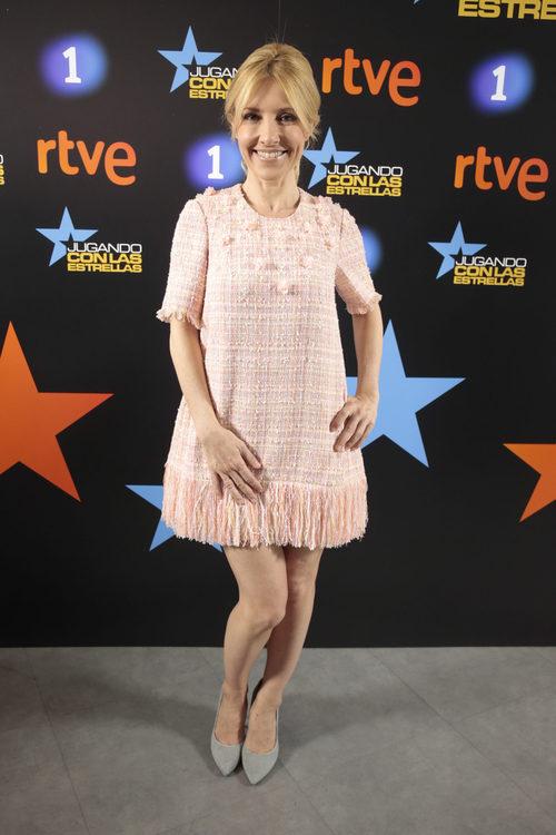 Cayetana Guillén Cuervo con un vestido rosa cuarzo en la presentación del programa 'Jugando con las estrellas'