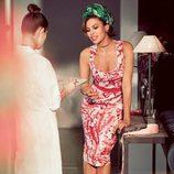 Eva Mendes con un vestido recto de su propia colección primavera/verano 2017 con NY&C