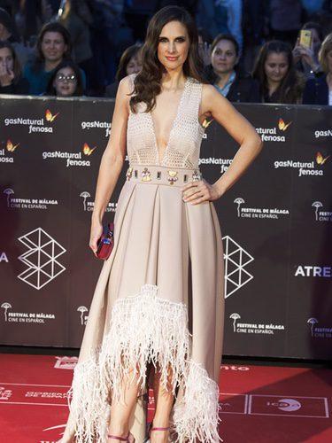 Nuria Fergó con un vestido rosa en el Festival de Cine de Málaga